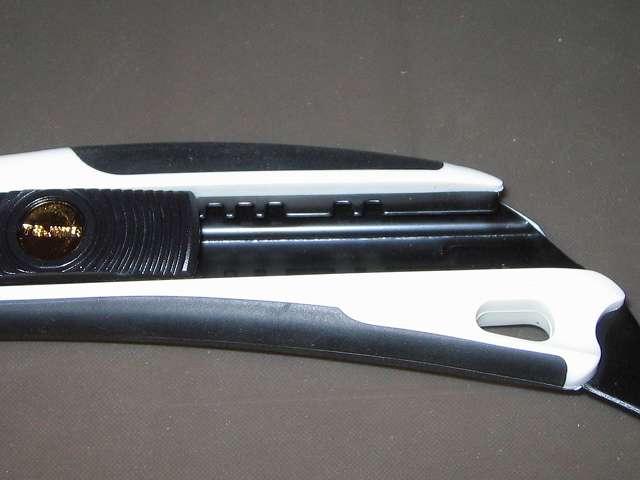 タジマ カッター ドラフィン L560 (刃は付属しておりません) DFC-L560W スライダー溝
