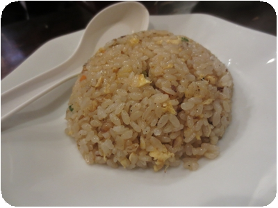 チャーハン定食の炒飯(半炒飯?)