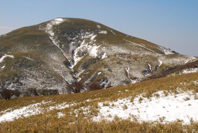 竜ヶ岳の山頂アップ