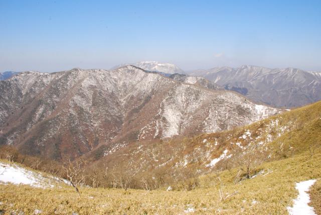 竜ヶ岳空の眺め_静ヶ岳と御池岳と藤原岳