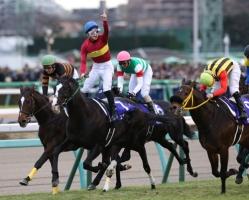 【競馬】 ゴールドアクター、年内休養か 中川師「疲れが取れない」