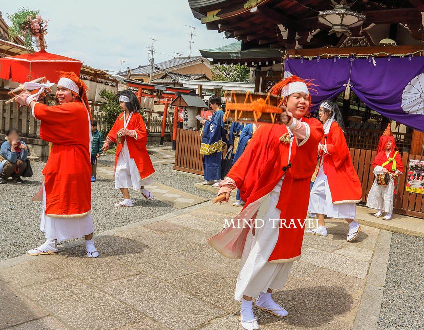 玄武神社 やすらい祭2
