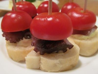 タコとプチトマトのピンチョスアップ3