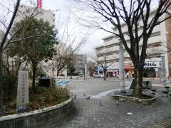 駒込駅北口