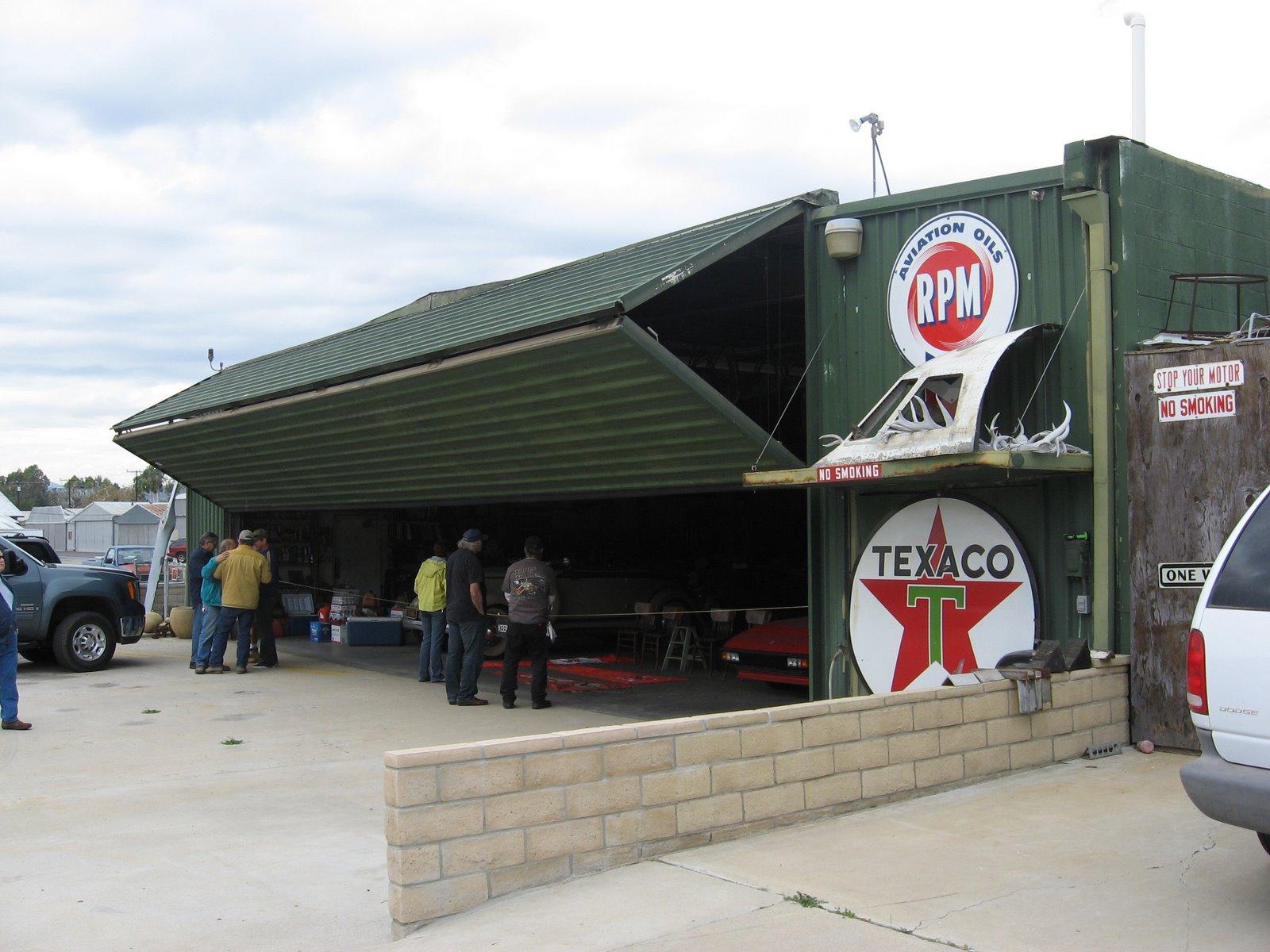 the-hangar-701796.jpg