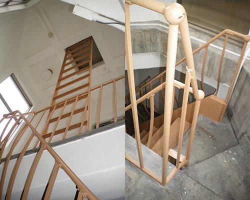 横浜市開港記念館・階段上