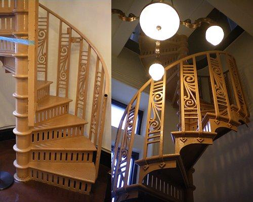 横浜市開港記念館・時計塔階段1