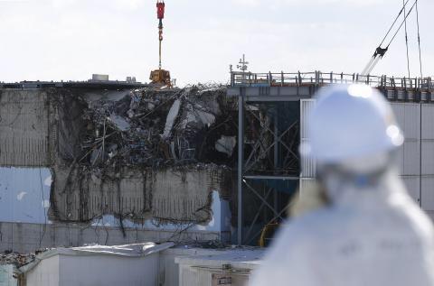 福島原発内部に送り込まれた「ロボット」が即故障…高線量の放射線により、機械までもが破壊される事態