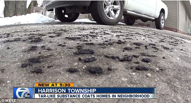 アメリカ・ミシガン州で謎の「タール状の黒い雨」が降る…原因、正体不明
