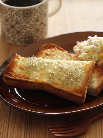 しらすチーズトースト1