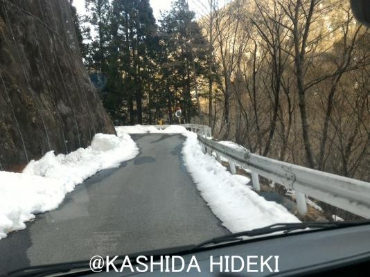 早川町の狭い道