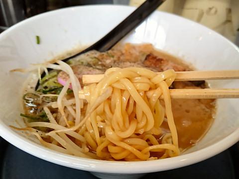 麺リフティング@麺屋八兵衛