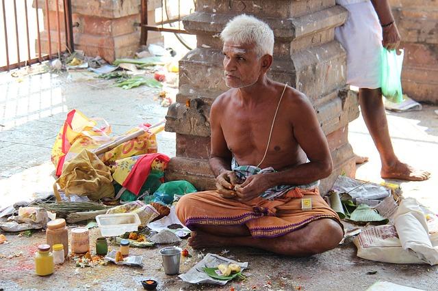 ヒンズー教行者の理解を超えた苦行とは?