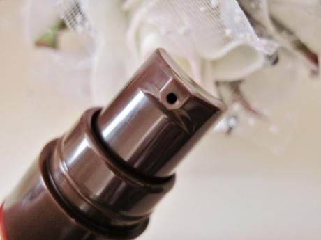 モンドセレクション金賞受賞!40代からのコラーゲン、エラスチンを作り出す美容液【モイスチュア コンセントレイトドロップ】