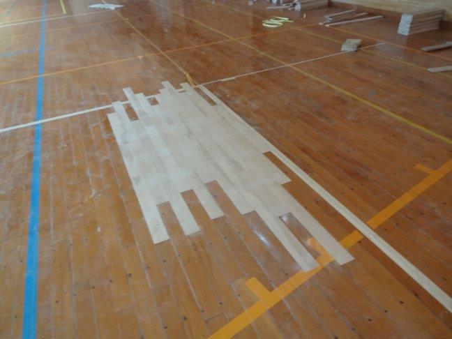 体育館の床補修