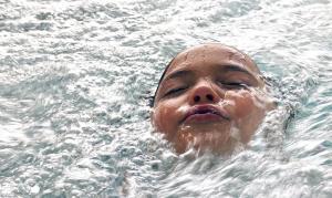 swimming-pool-1229130_960_720_convert_20160302232119.jpg
